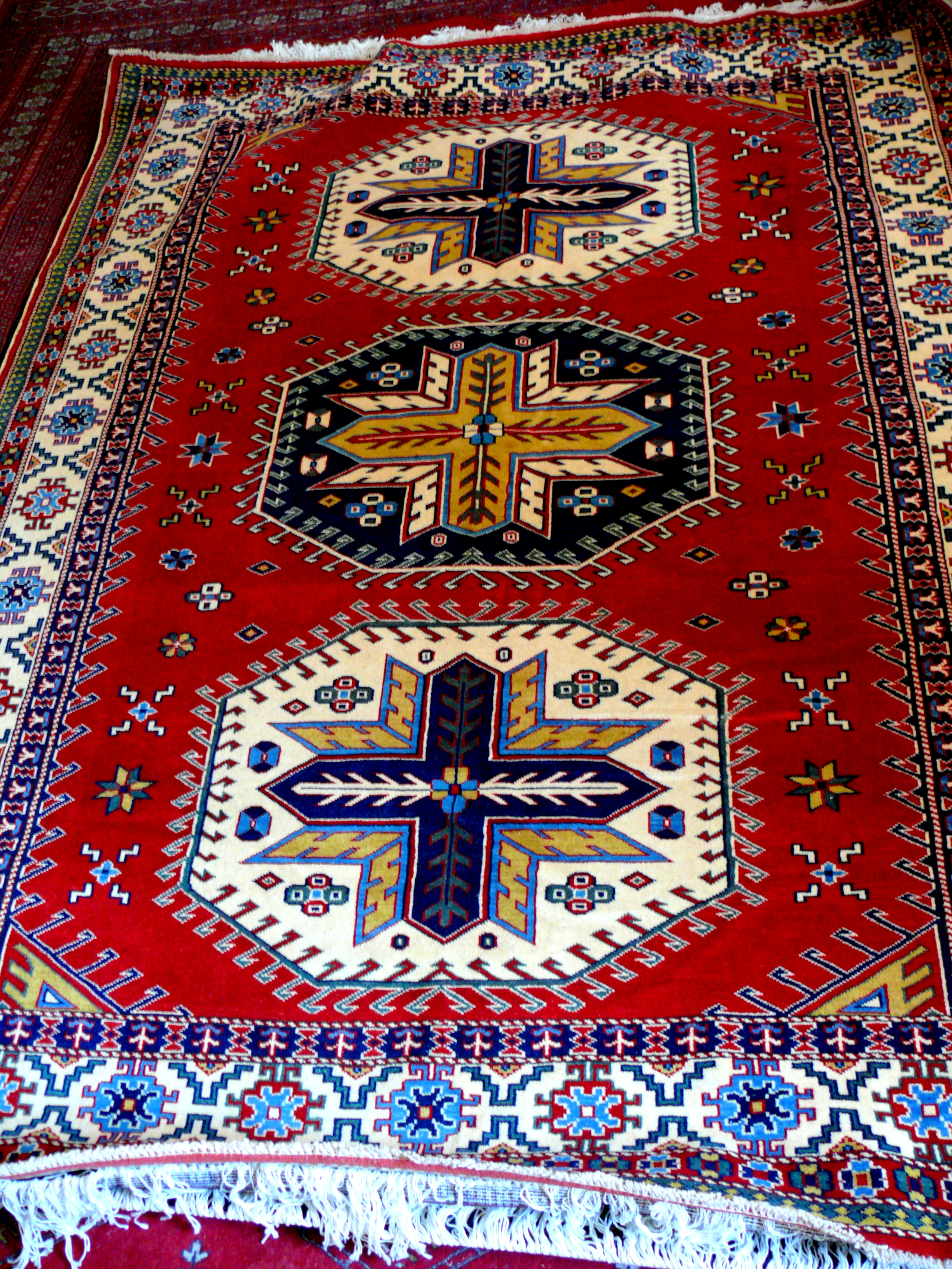 Azerbaijani carpets 9 things you need to know about them for How to buy carpeting