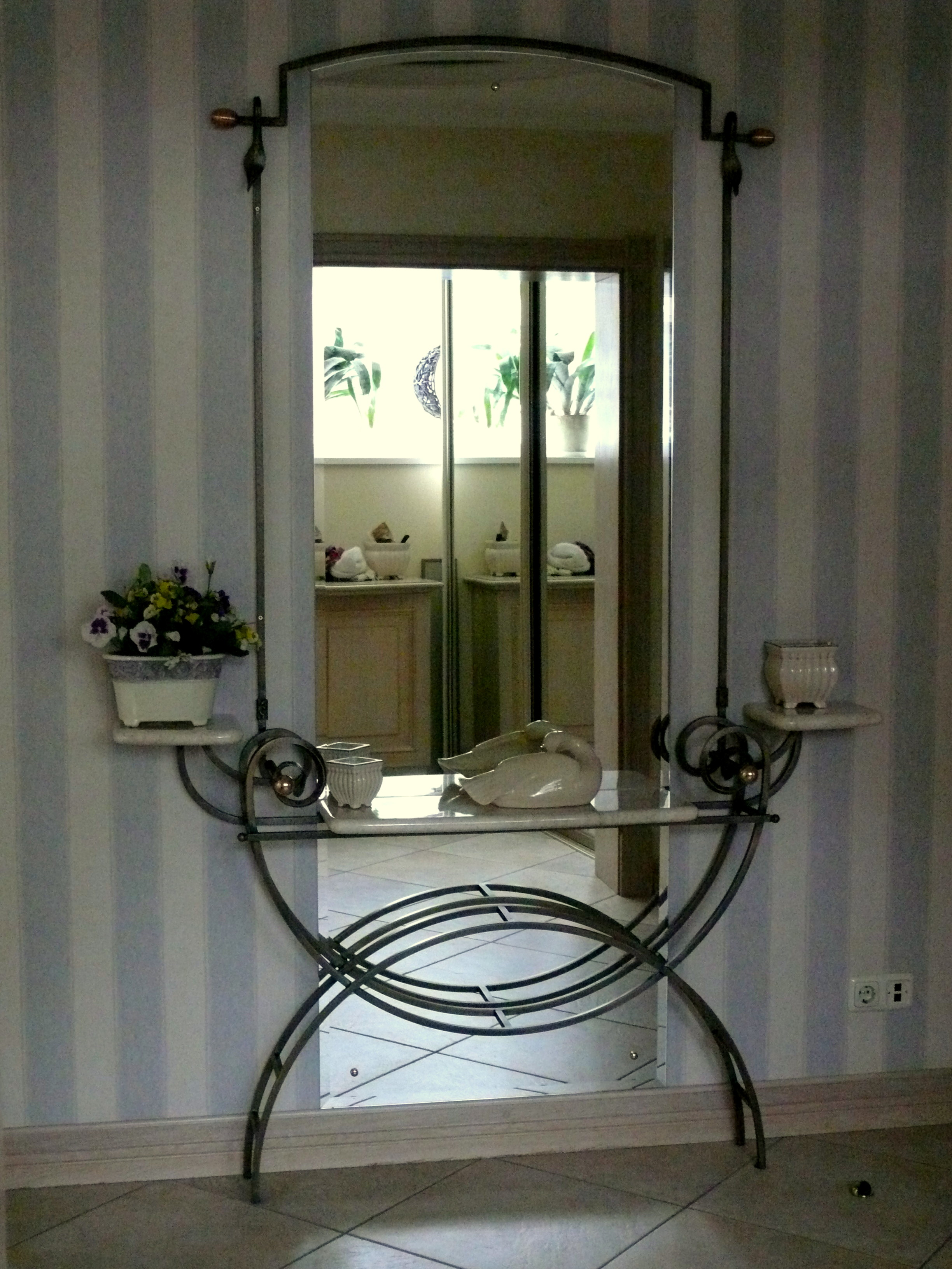 Wrought iron in home decor for House of decorative accessories