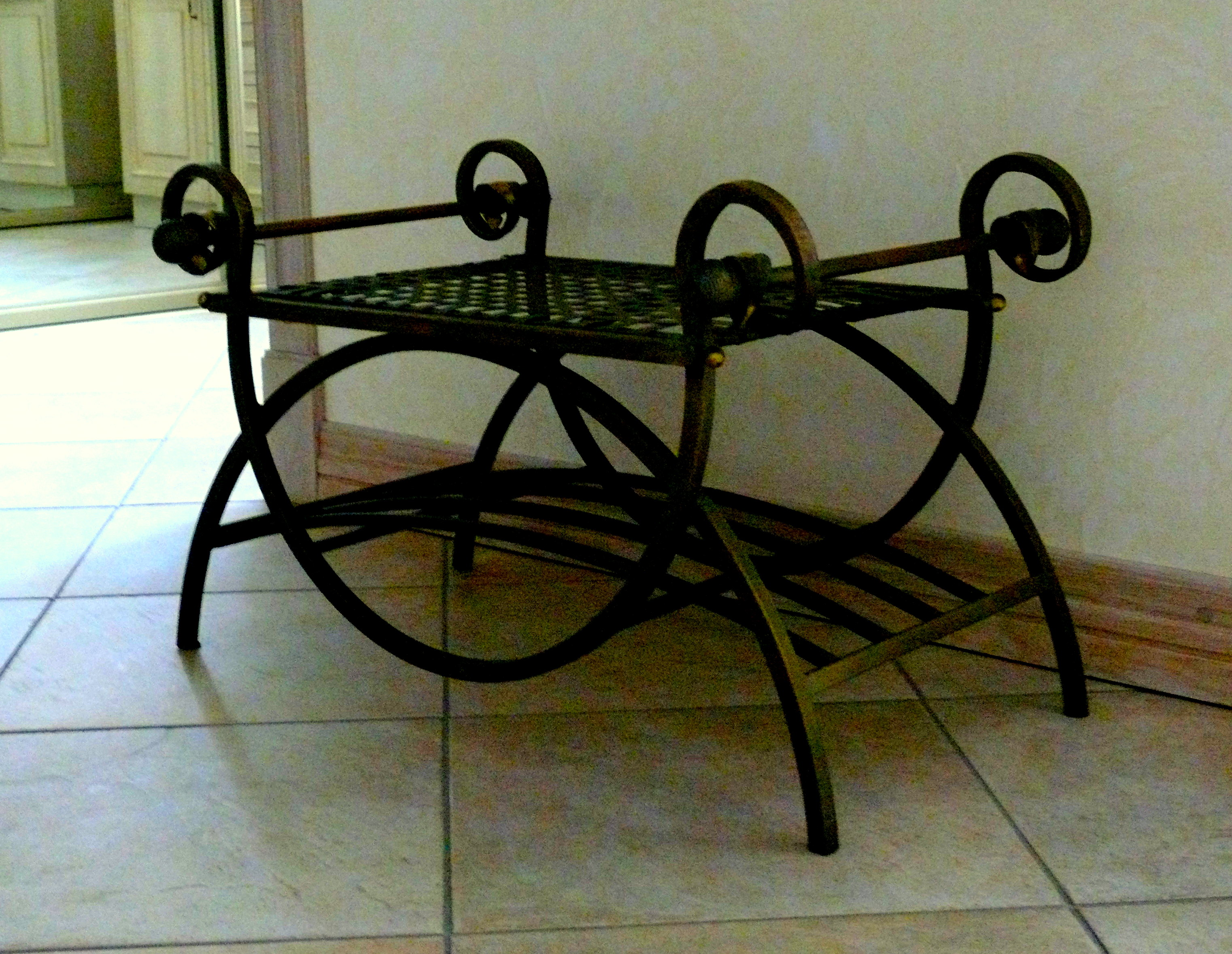 Wrought Iron in Home Decor L Essenziale