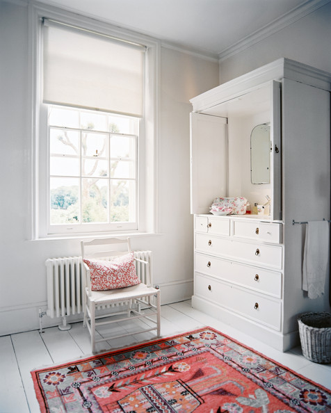 Oriental+Rug+patterned+rug+room+white+armoire