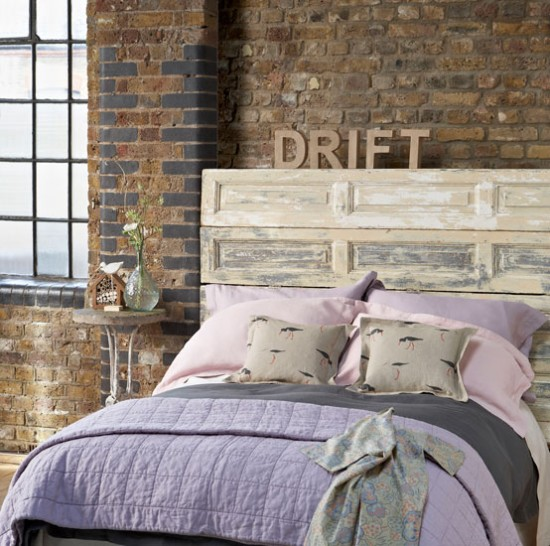 15 Wicked Rustic Bedroom Designs That Will Make You Want Them: 15 Easy DIY Ideas For A Stylish Headboard