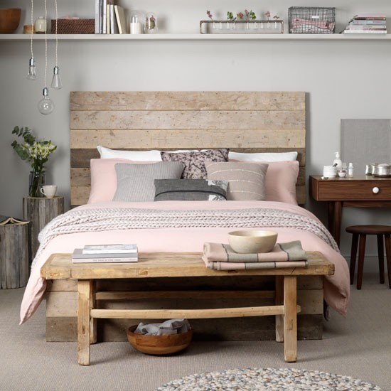 I love this coastal inspired bedroom, but this headboard you can use also  to create