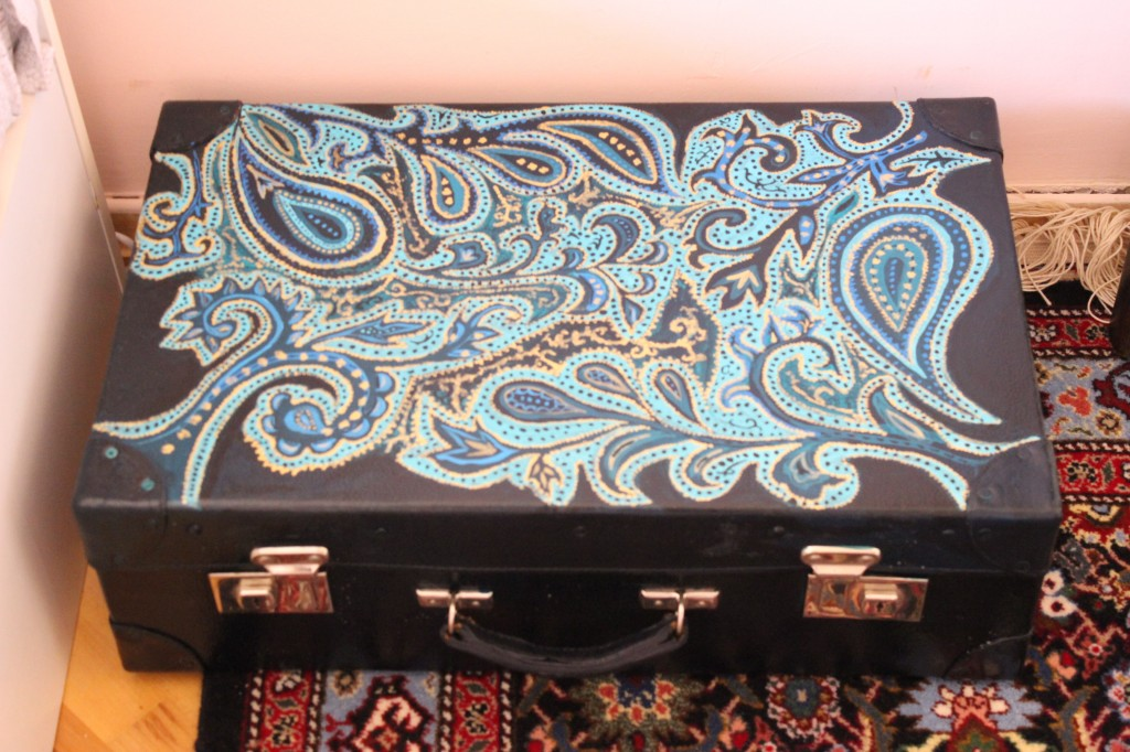 DIY Project: Vintage Suitcase Makeover