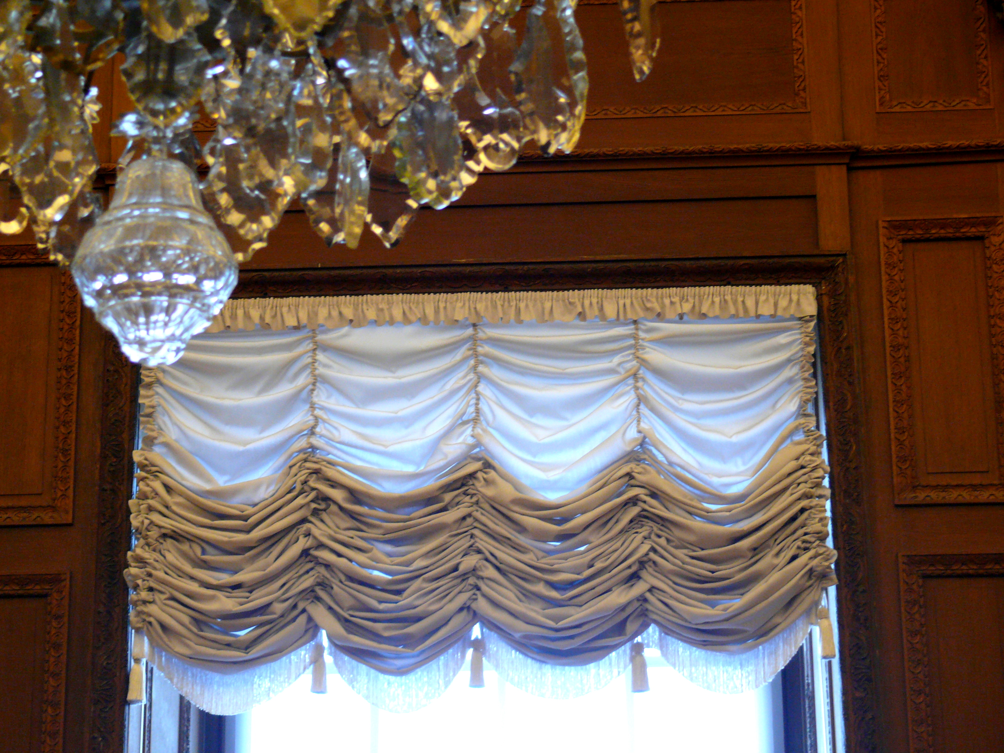 Image of: History Of Styles Window Treatments L Essenziale