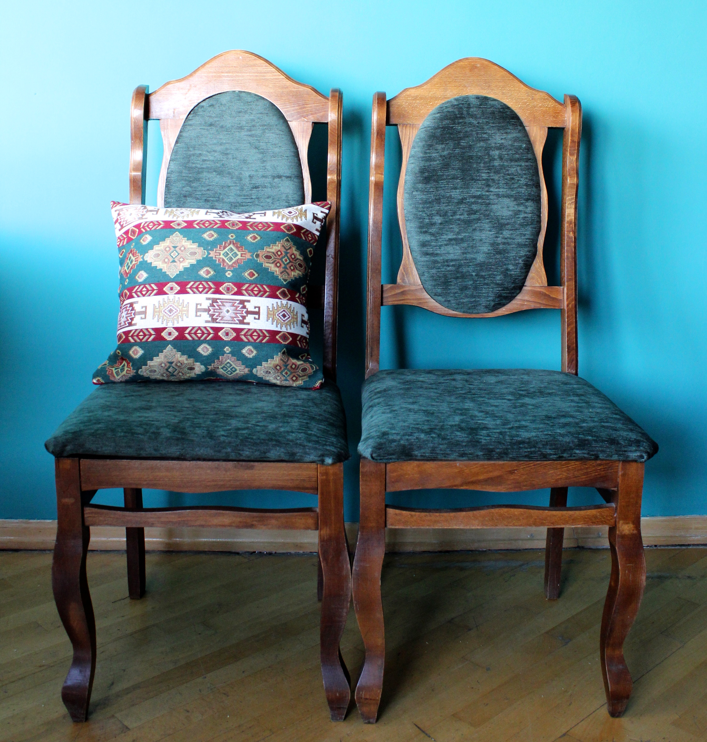 diy project reupholstering old chairs. Black Bedroom Furniture Sets. Home Design Ideas