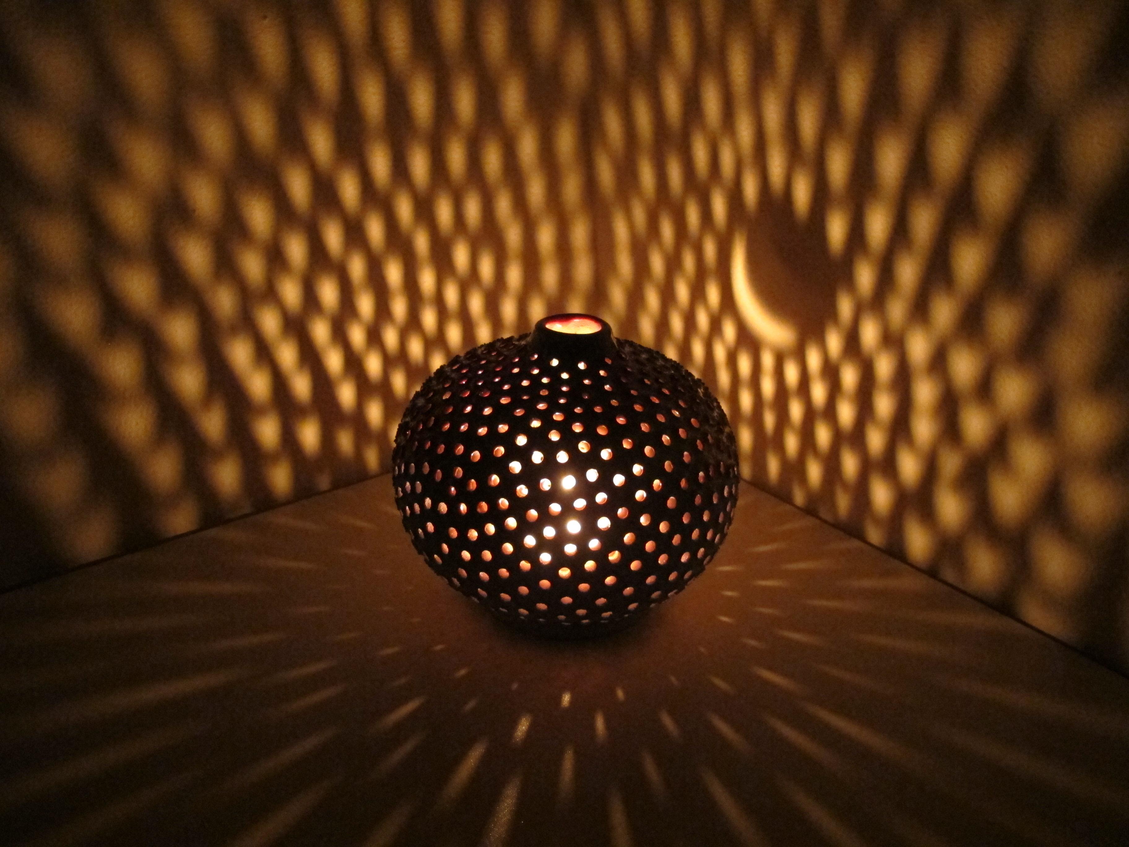 Behind the scenes pottery making secrets l 39 essenziale for Boule ceramique decoration jardin