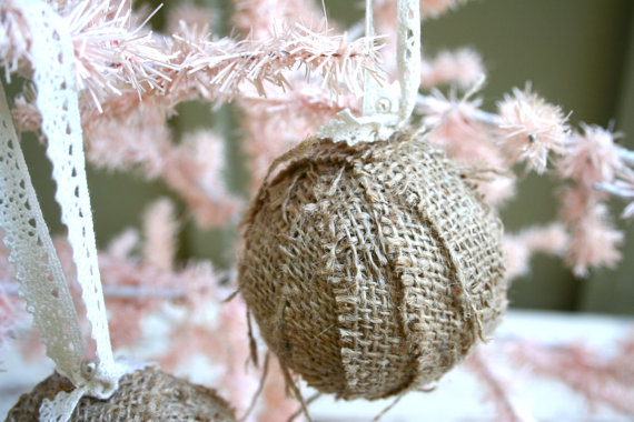 Diy christmas ideas of decorating with burlap l