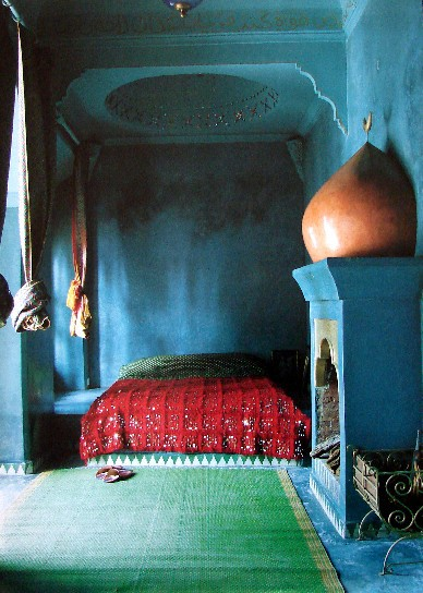 Decorate your bedroom moroccan style l 39 essenziale - Moroccan bedroom ideas decorating ...
