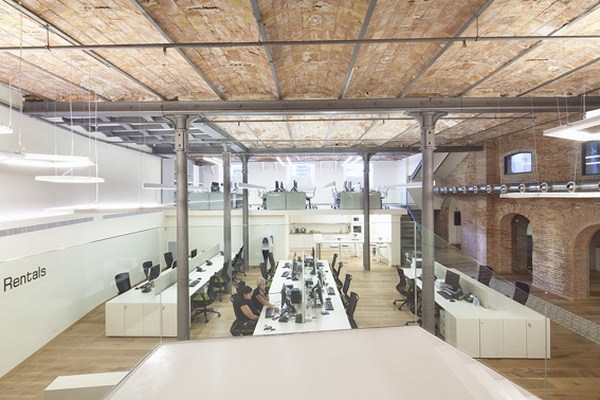 Innovative Design of Friendly Rentals Office In Barcelona