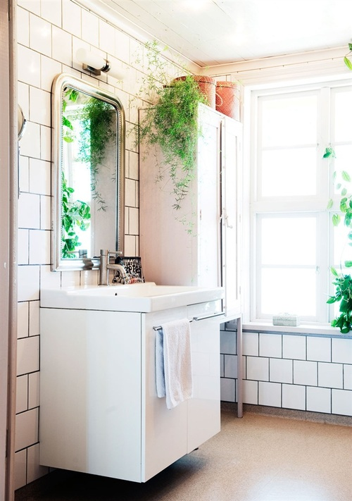 Essential Trend: White Tiled Bathrooms