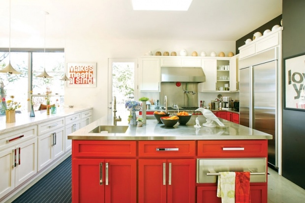 5 Kitchen Cabinet Painting Tips – Making an Old Kitchen New Again