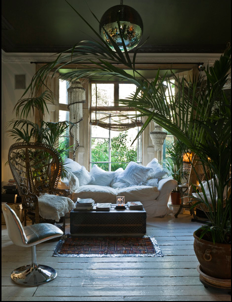 Boho essentials peacock chair l 39 essenziale - Living room decor images ...