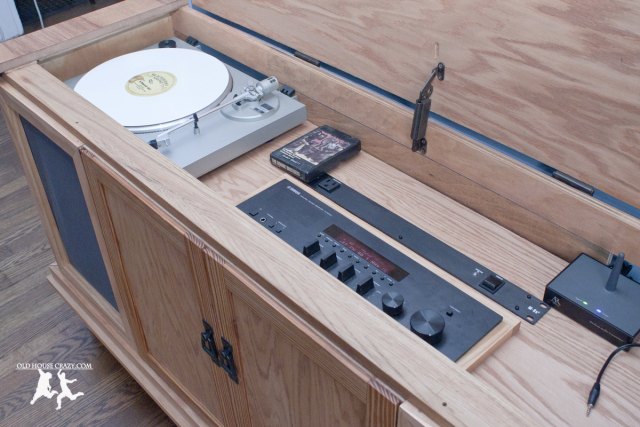 old-house-crazy-diy-restore-an-old-stereo-console-27
