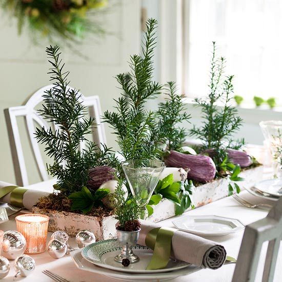 8 Stunning Christmas Tablescapes