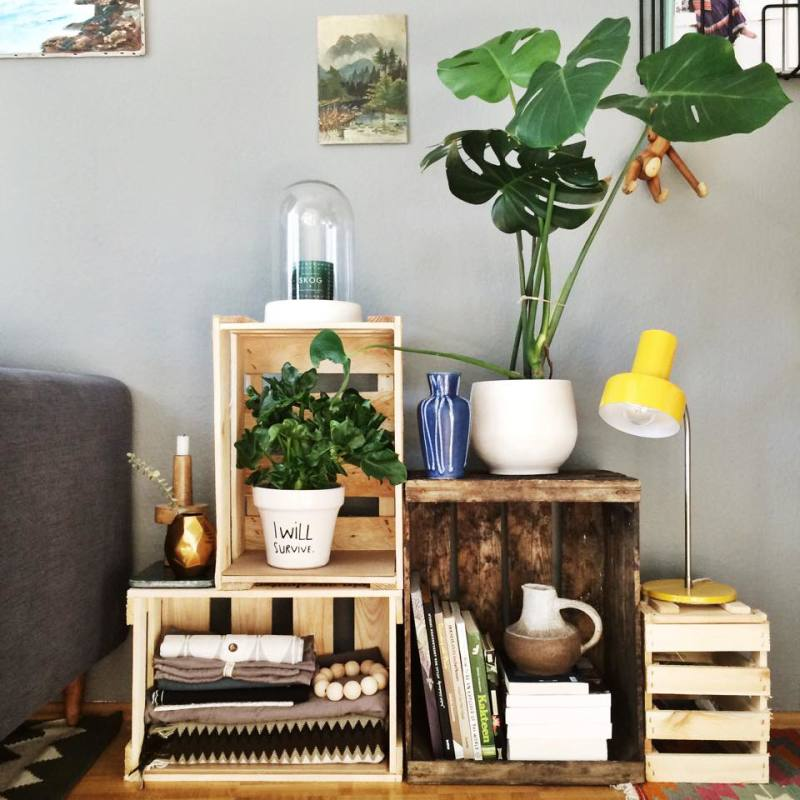DIY Idea – Shelves from Old Boxes and Crates