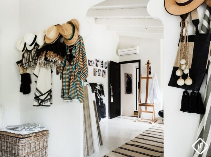7 Simple Ideas to Organize the Entryway
