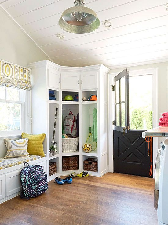 Laundry Mud Room Small Entryway
