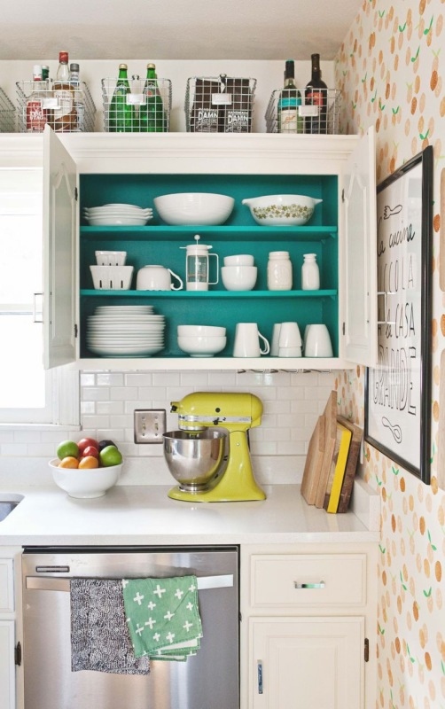 Gorgeous Kitchens With Brightly Colored Cabinets