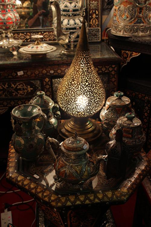 Shopping Antiques In Dubai L Essenziale