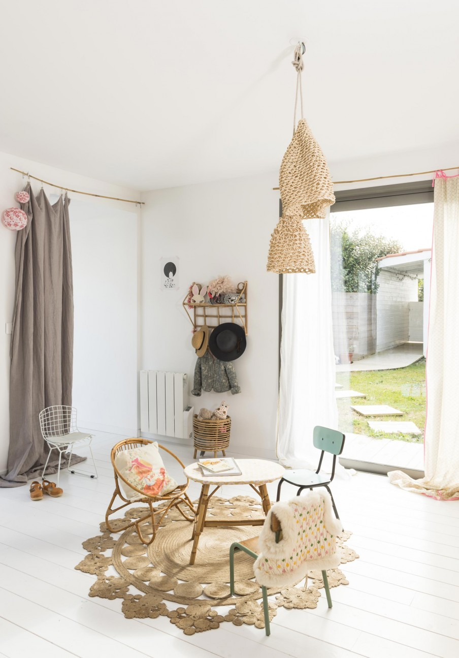 Scandinavian home in biarritz with bohemian touch - Deco chambre style scandinave ...