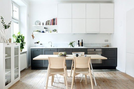 black white kitchen cabinet mix