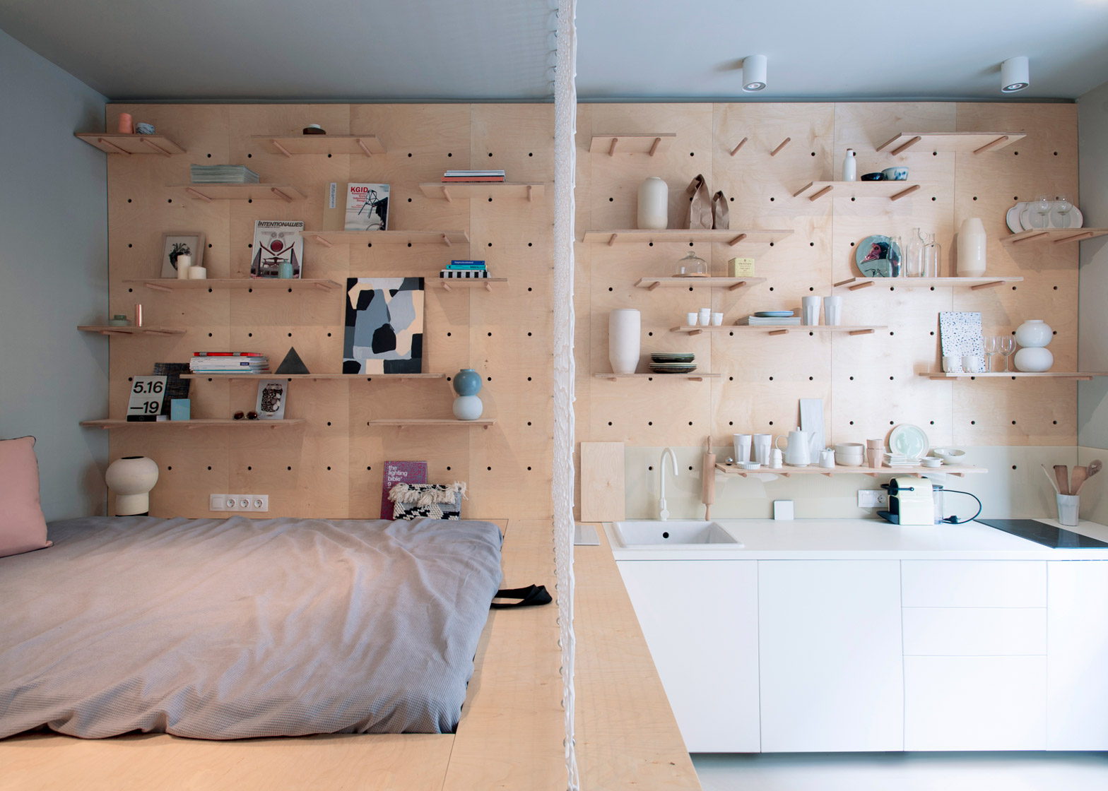 Air-BnP-home_Position-Collective_small-aparment_Budapest_Hungary_plywood_Balazs-Glodi_dezeen_1568_4