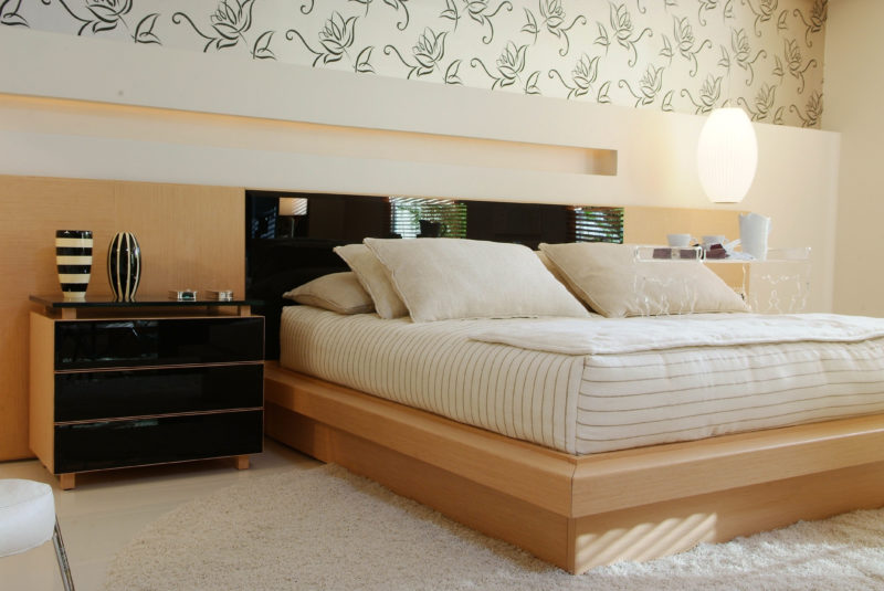 10 Amazingly Beautiful Luxury Beds