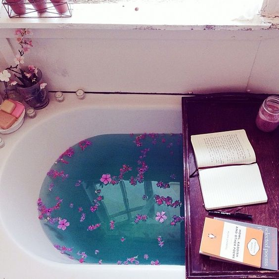 5 Fun Things You Can Do with a Bathtub