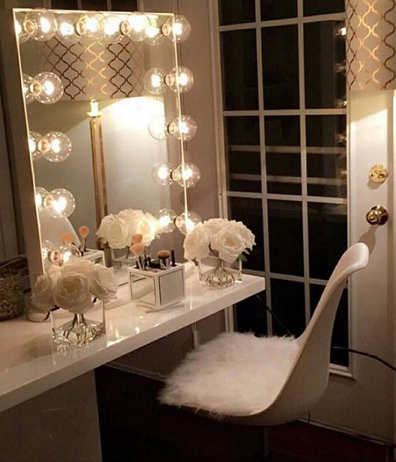 Best Vanity Mirror >> Ow To Choose The Best Makeup Vanity Mirror With Lights On It