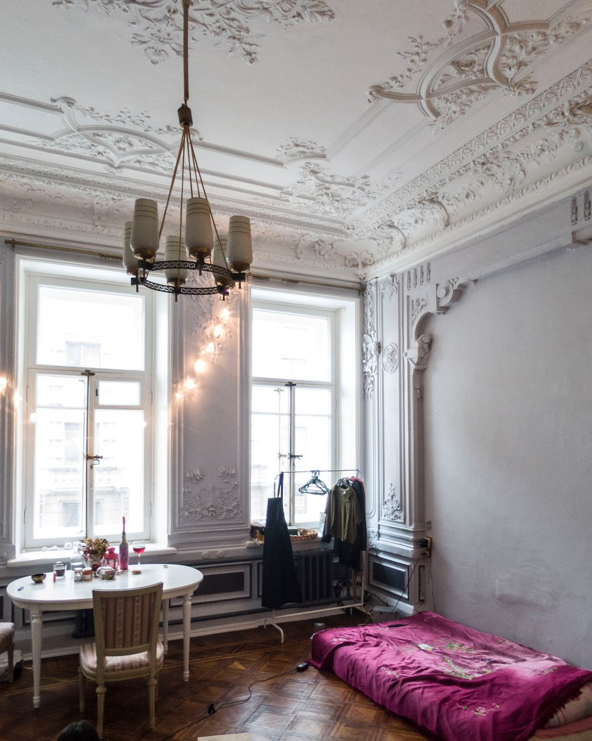 The Beauty And Charm Of Old Apartments In St Petersburg