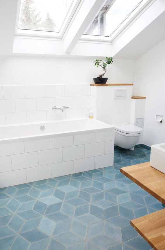 12 Gorgeous Aqua Blue Bathrooms L
