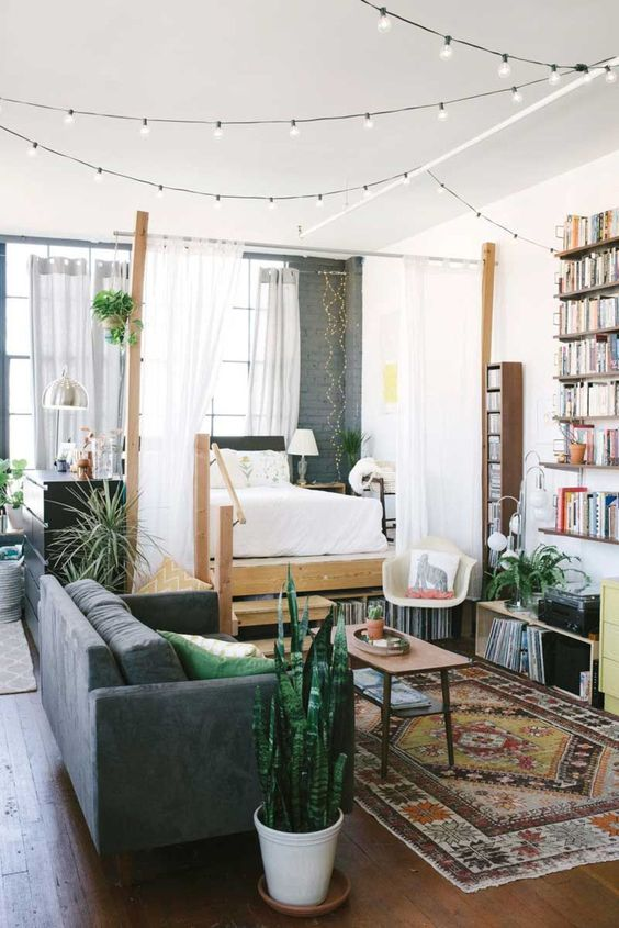 How to create a bedroom in a studio apartment l 39 essenziale - How to design a studio apartment ...