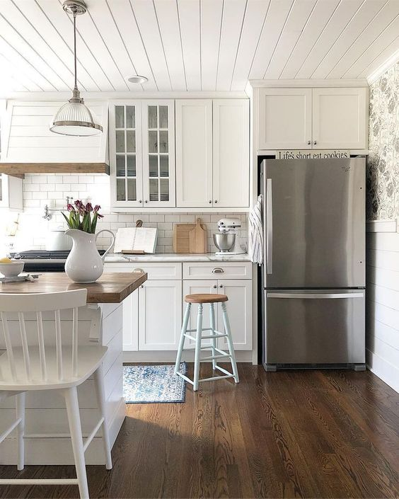 Coastal Kitchen Design Trends For 2018: Why Hamptons-Style Kitchens Are The Latest Interior Design