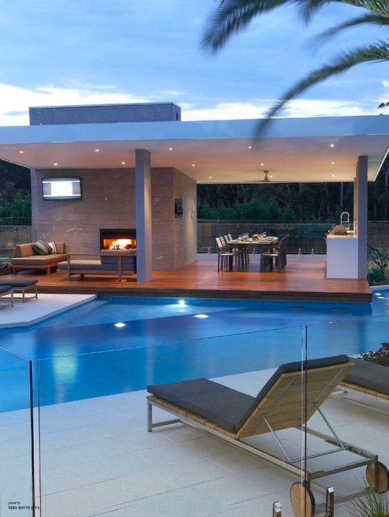 How To Create Stylish Safety Fence Designs For Home Pools