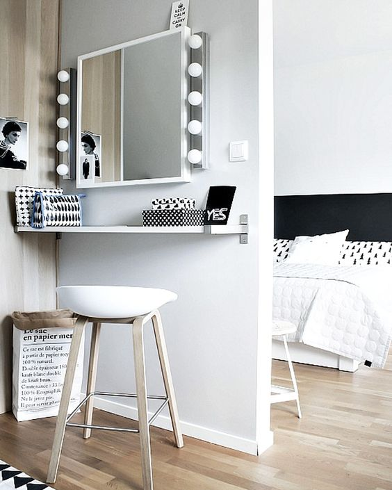 7 Diy Makeup Vanity Ideas L Essenziale, Makeup Station Furniture